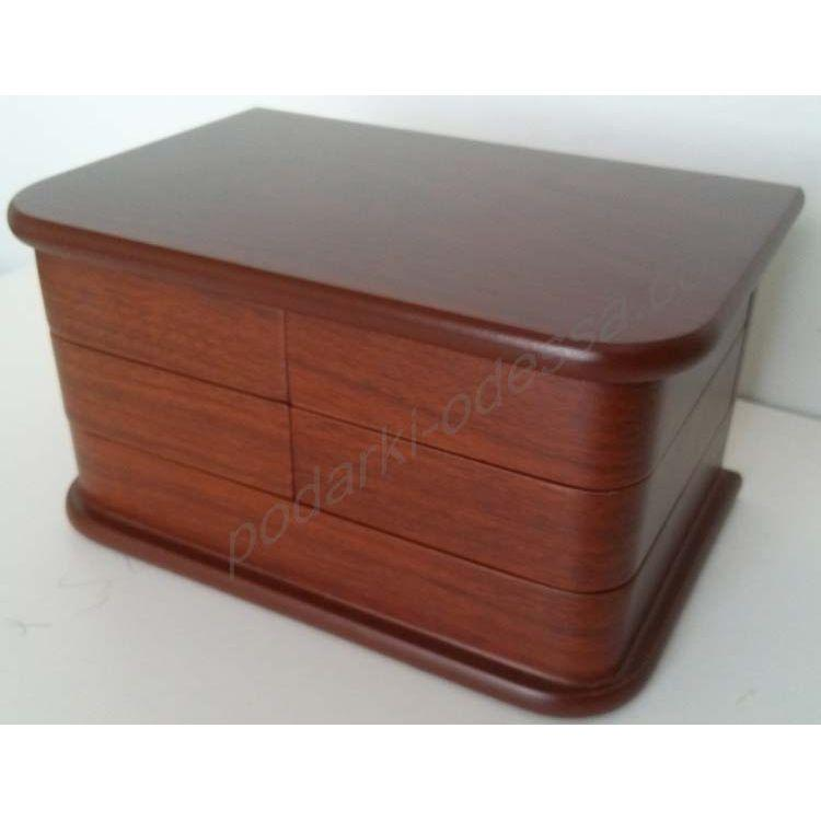 Шкатулка с ящиками