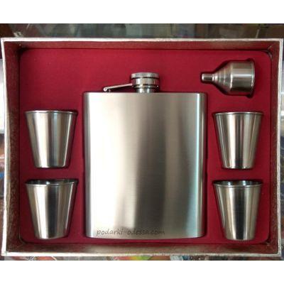 Подарочный набор (фляга 500 мл + 4 рюмки и лейка)