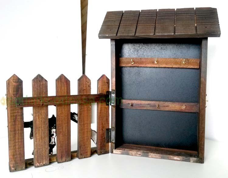 Ключница деревянная Забор