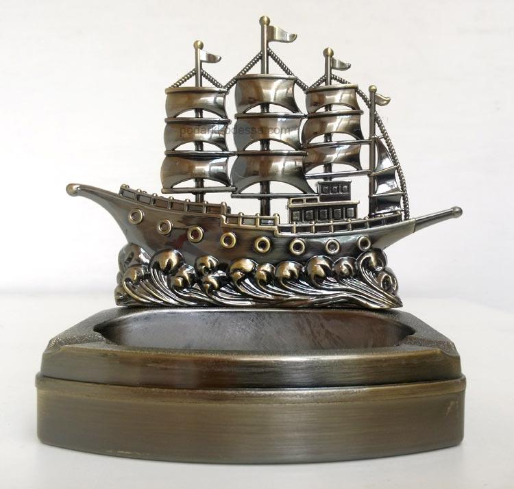 Пепельница-зажигалка Корабль