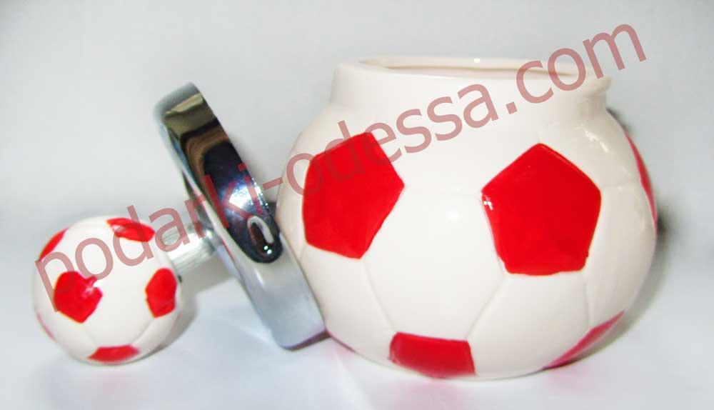 Купить подарок парню - пепельницу футбольный мяч по самой низкой цене в Одессе