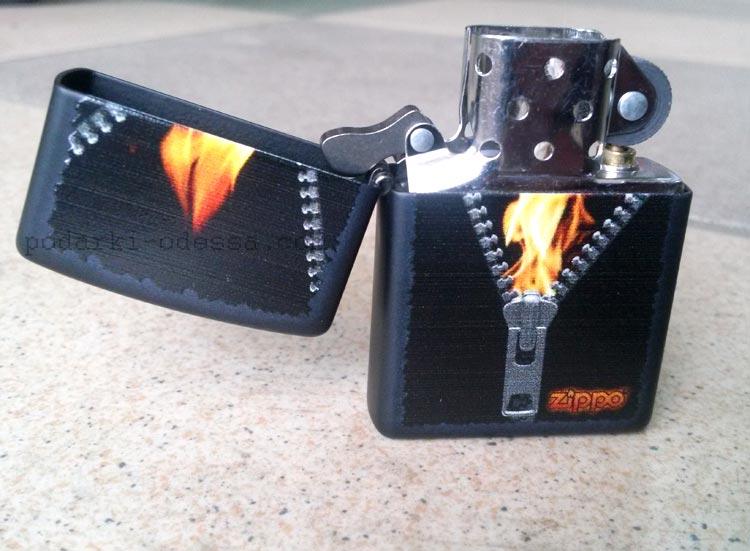 Зажигалка Zippo 28309 Zipped